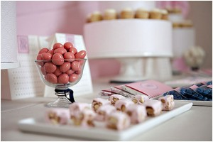 Do it yourself wedding food how to create your own candy buffet image solutioingenieria